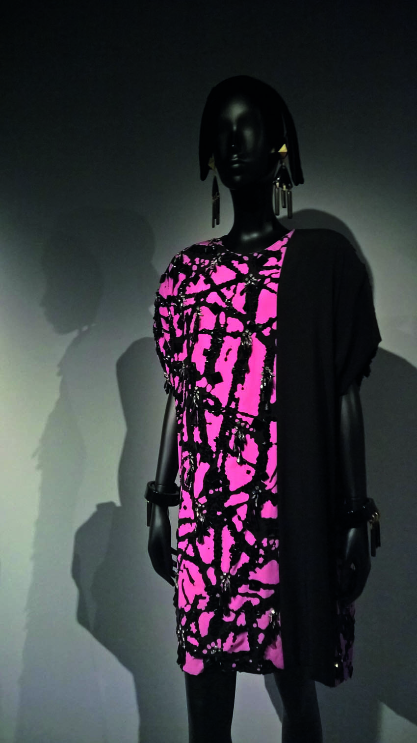 'Bohan Pollock' by Marc Bohan Haute Couture Fall-Winner 1984    Jet embroidered crepe cocktail dress inspired by Jackson Pollock's 'dripping pa