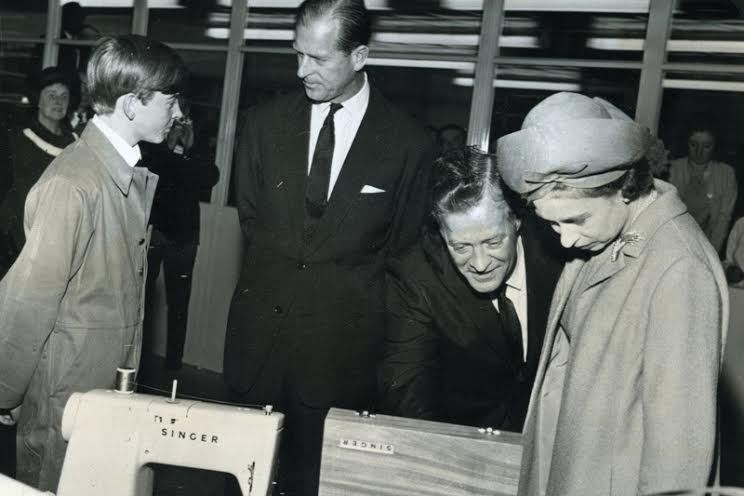 The Queen and the Duke of Edinburgh visiting the factory in the 1960s     ©West Dunbartonshire Council Libraries and Cultural Services