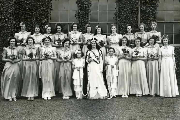 The women of the Singer factory at an event in the 1950s    ©West Dunbartonshire Council Libraries and Cultural Services